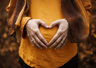فوائد فوليك اسيد قبل الحمل بتوأم 2021
