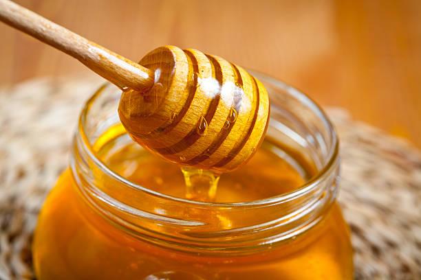 هل العسل يزيد الوزن؟ وبعض وصفات العسل للتسمين